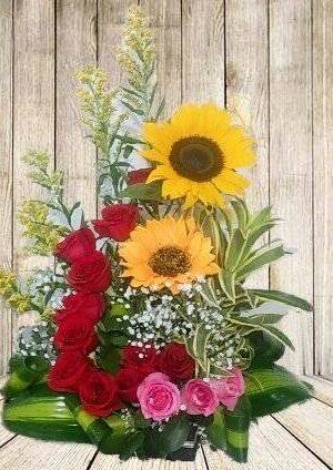 Arreglo Floral de Rosas y Girasoles, Arreglos Flrares Express, Desayunos Sorpresa.com