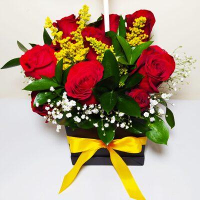 Arreglo floral en caja especial Galeria de imagen de producto_de foto_ desayunossorpresas.com