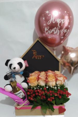 """Arreglo Floral """"Casita de Rosas"""" Producto_desayunossorpresas.com"""