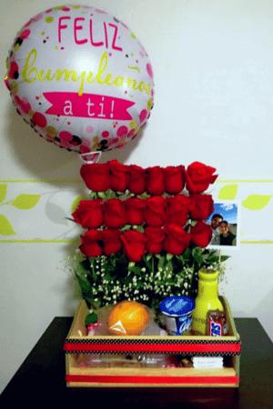 imagen de producto desayunossorpresas.com huacal de rosas