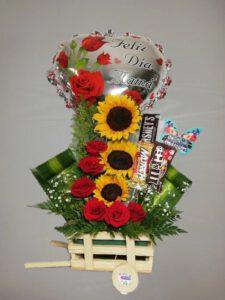 Arreglo floral dia de madres girasoles y chocolates-desayunossorpresas.com